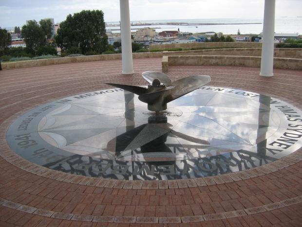 oic_geraldton_hmas_sydney_memorial_2